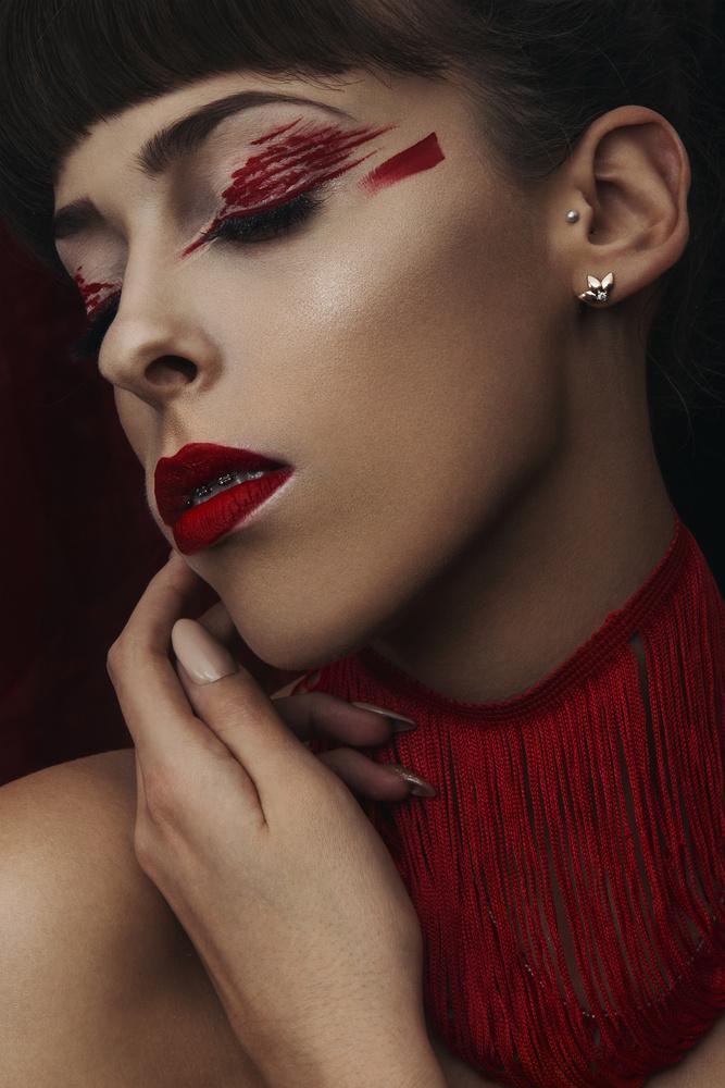 Queen's Collars by Dariusz G
