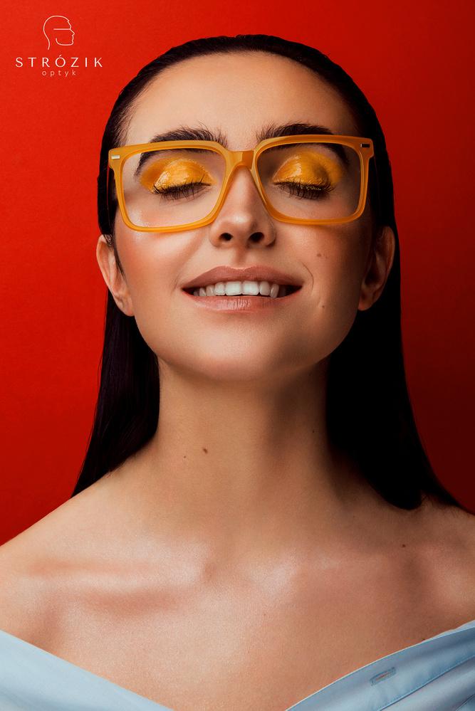 Glasses by Dariusz G
