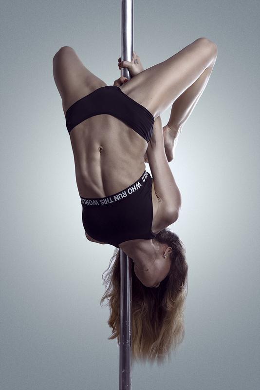 poledance by Dariusz G