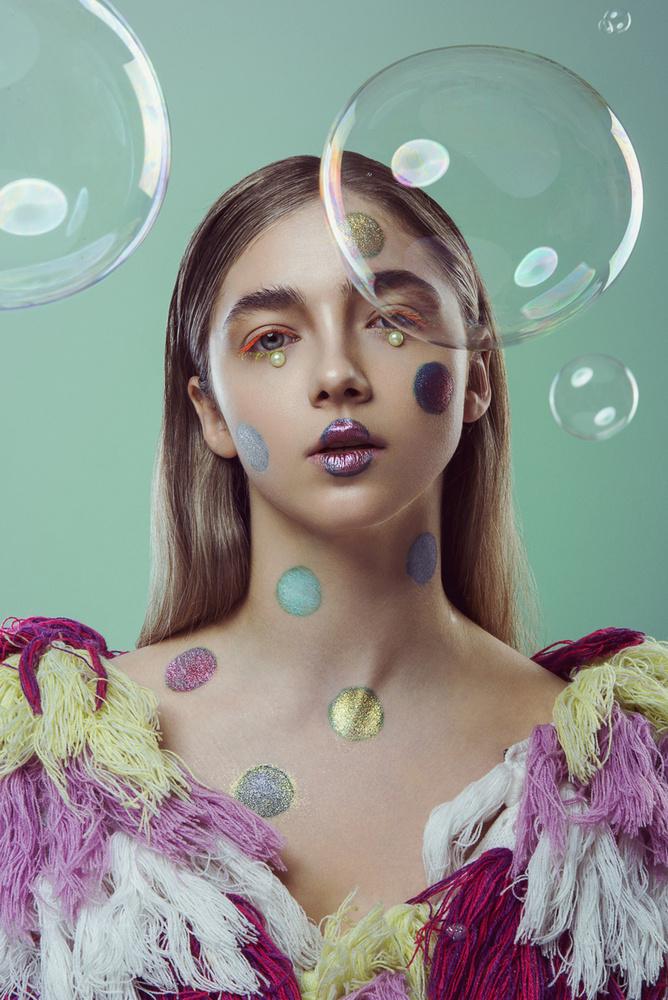 Bubble Trouble by Dariusz G