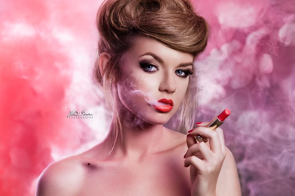 smoking beauty  by Valentin Beraru