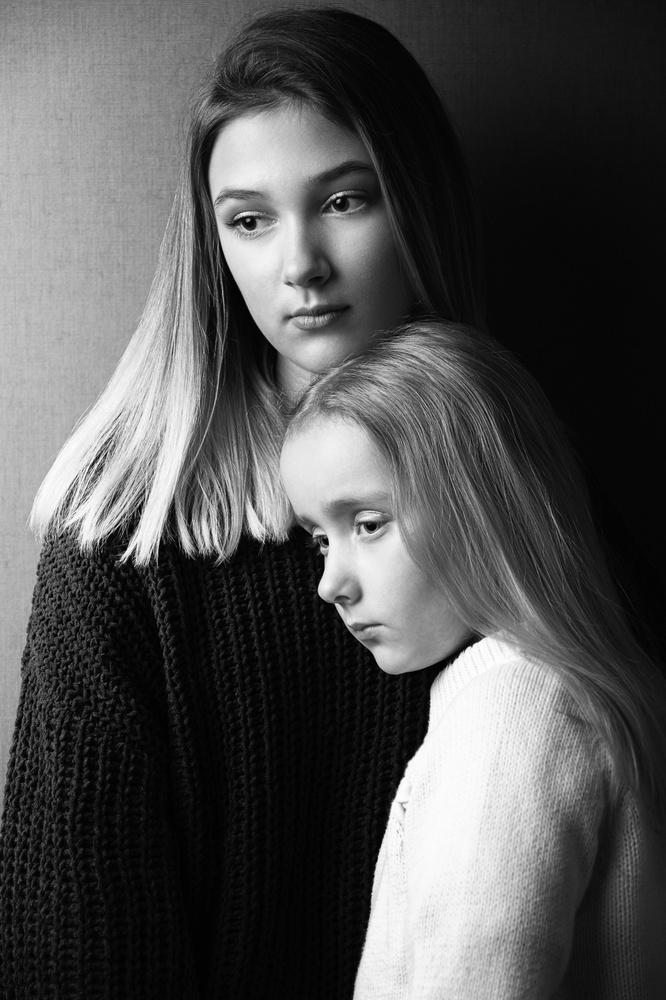 Sisters2 by Tomas Baliukonis