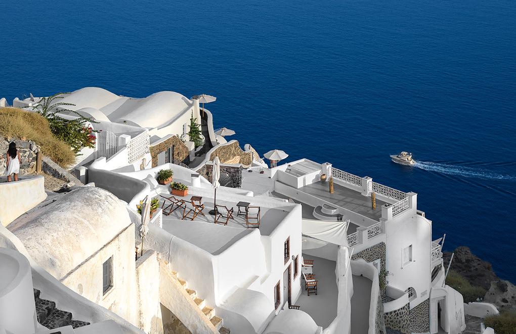 Cruisin' Santorini by Bill Peppas
