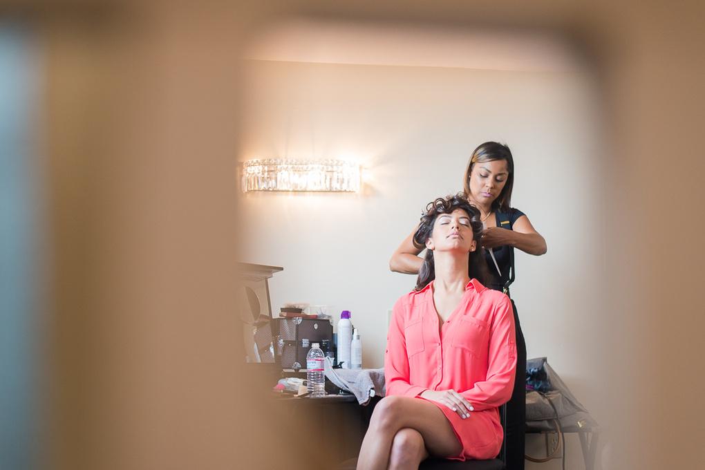 Bride getting ready by Anastasia Borisyuk