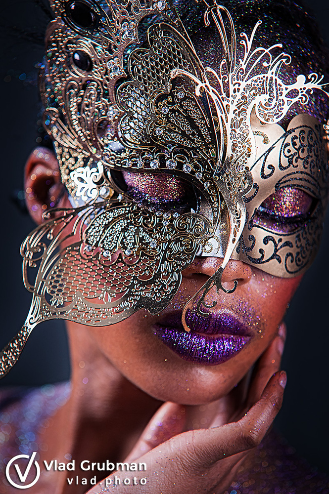 Mask And Glitter by Vlad G
