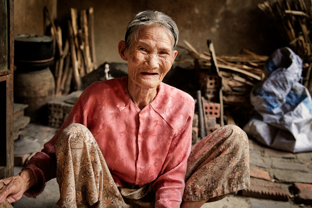 Villager making rice paper, Hoi An, Vietnam by vphotography studios