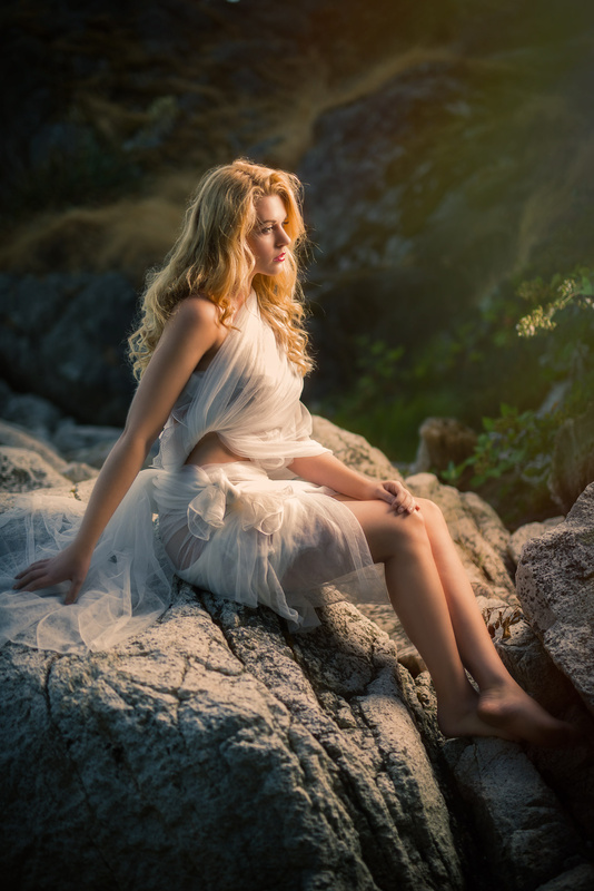 Outdoor portrait at Whytecliff Park North Vancouver by Kyle Cong