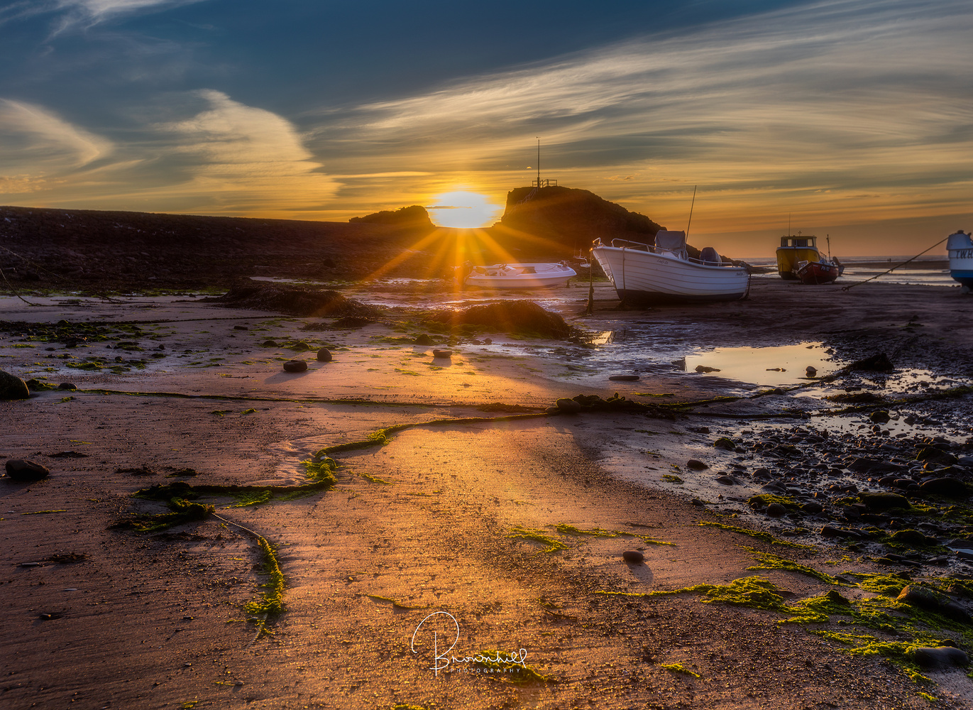 Golden hour @ the harbour by stephen brownhill