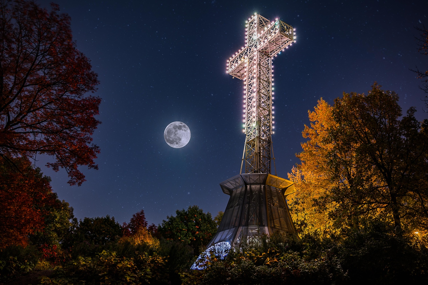 Mount Royal Cross by Randy Smith