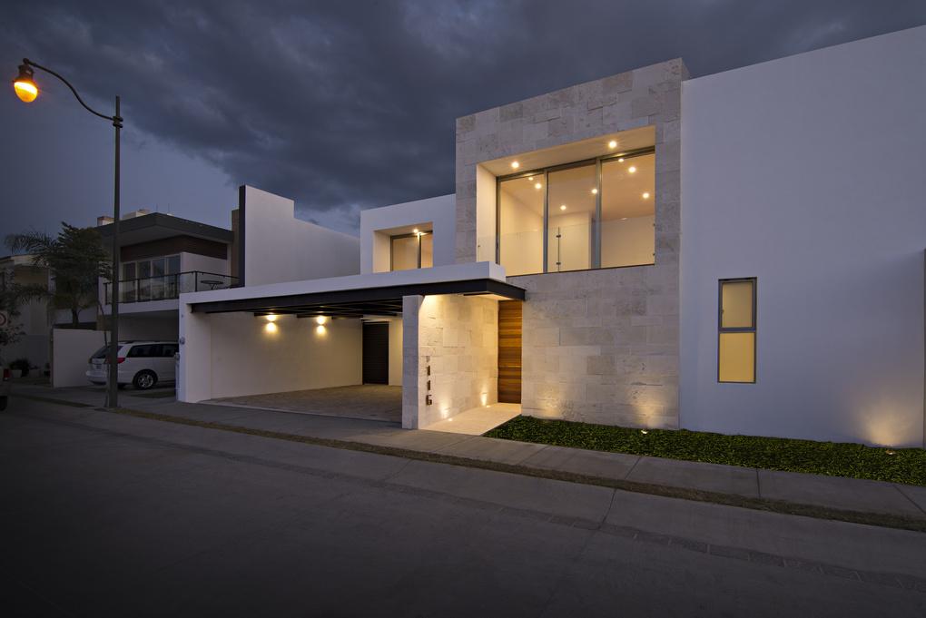 Casa Punta del Este by andres Blasquez Mota Velasco