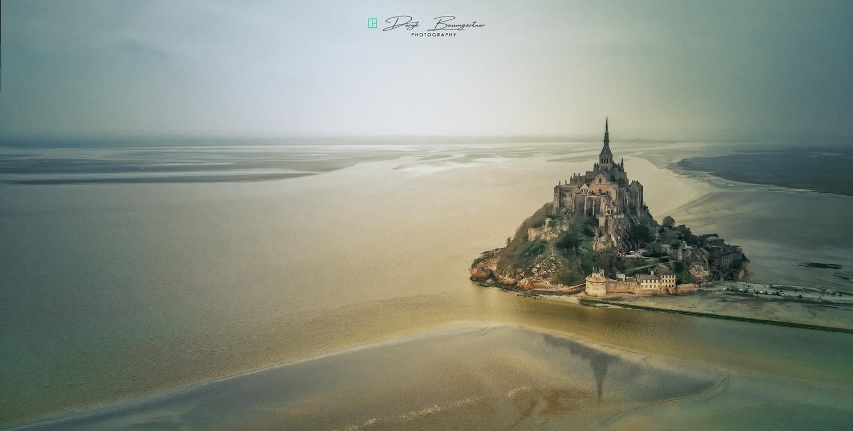 Le Mont Saint Michel by Deryk Baumgärtner