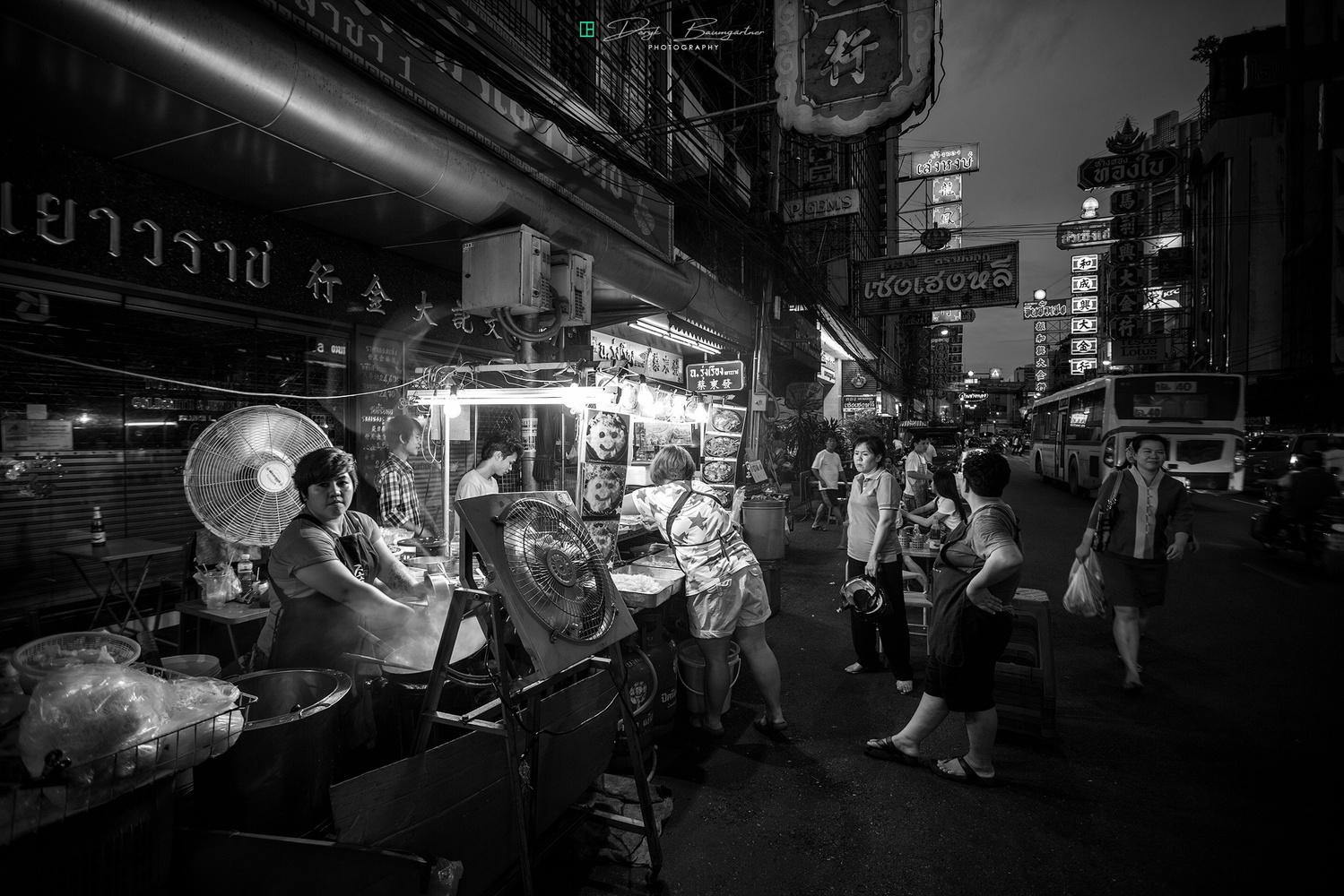 chinatown bangkok by Deryk Baumgärtner