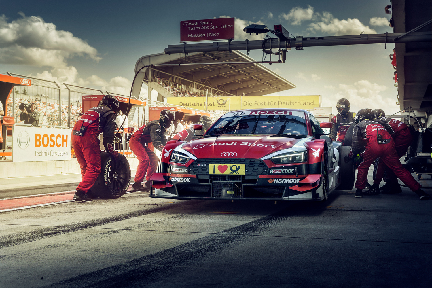 Last Pitstop of the race by Roman Lavrov