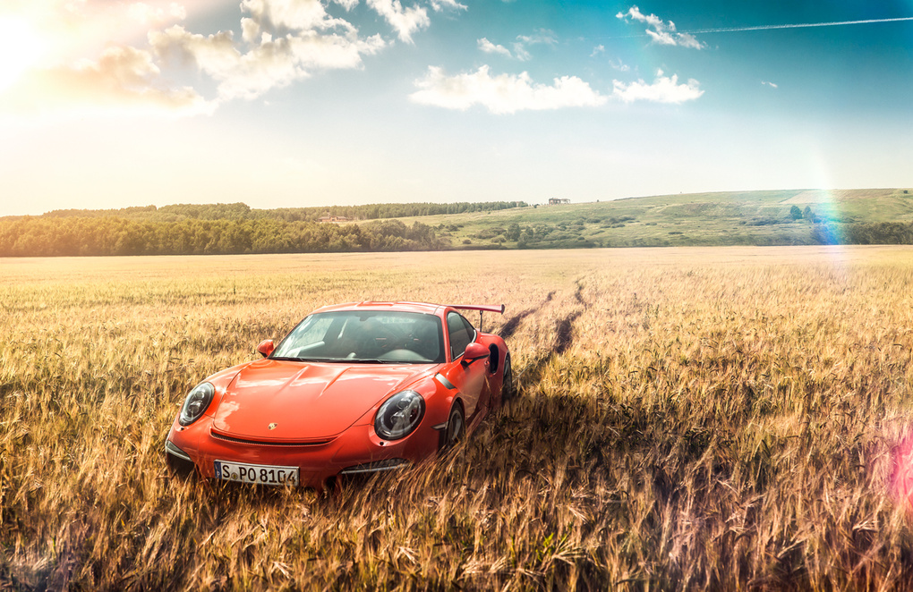 Porsche 911 GT3 RS/ Off-road by Roman Lavrov
