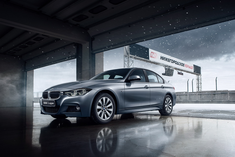 BMW 3 by Roman Lavrov