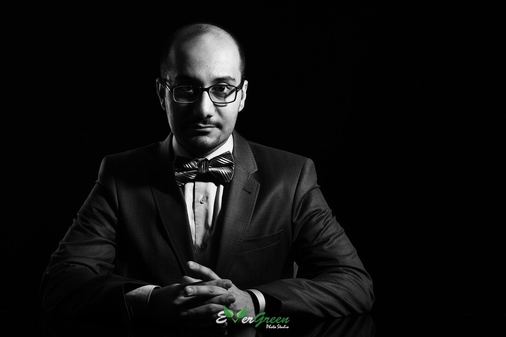 Business portrait by Shahed Sohrabi