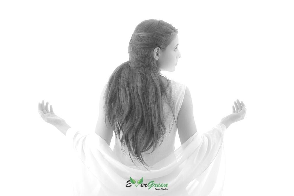 Like an angel by Shahed Sohrabi