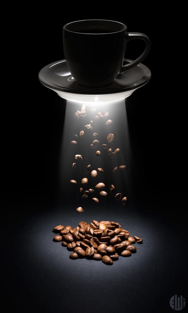 UFO Coffee by Alexandre Watanabe