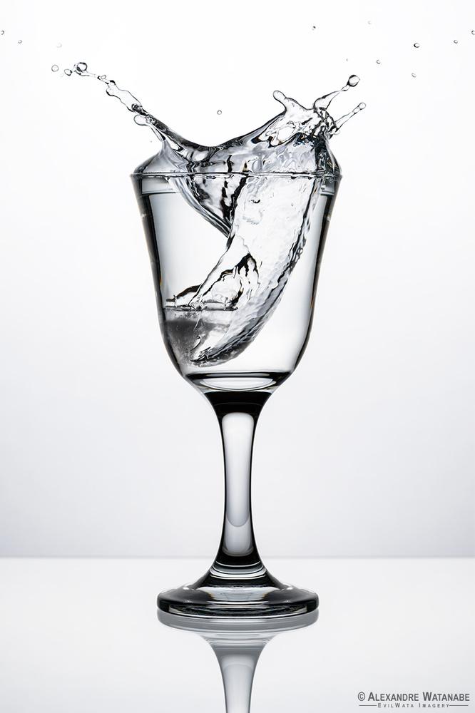 Splash by Alexandre Watanabe