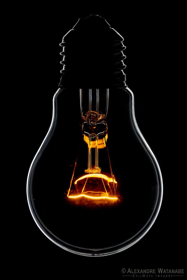 Rimlight Bulb by Alexandre Watanabe