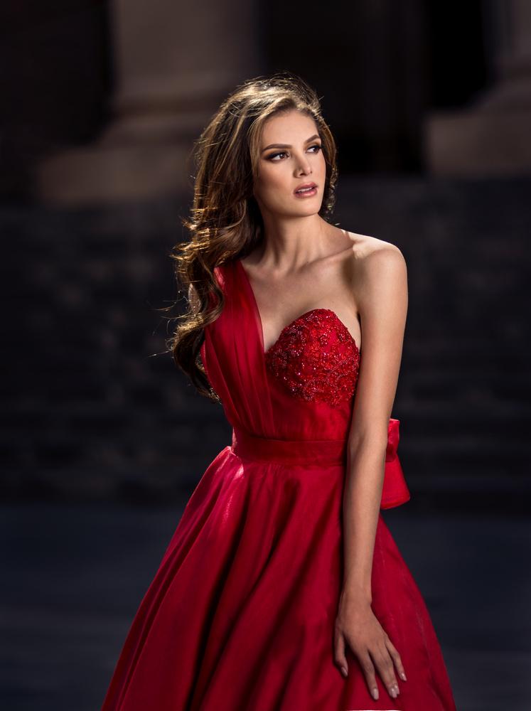 Red dress by Fabian Santana