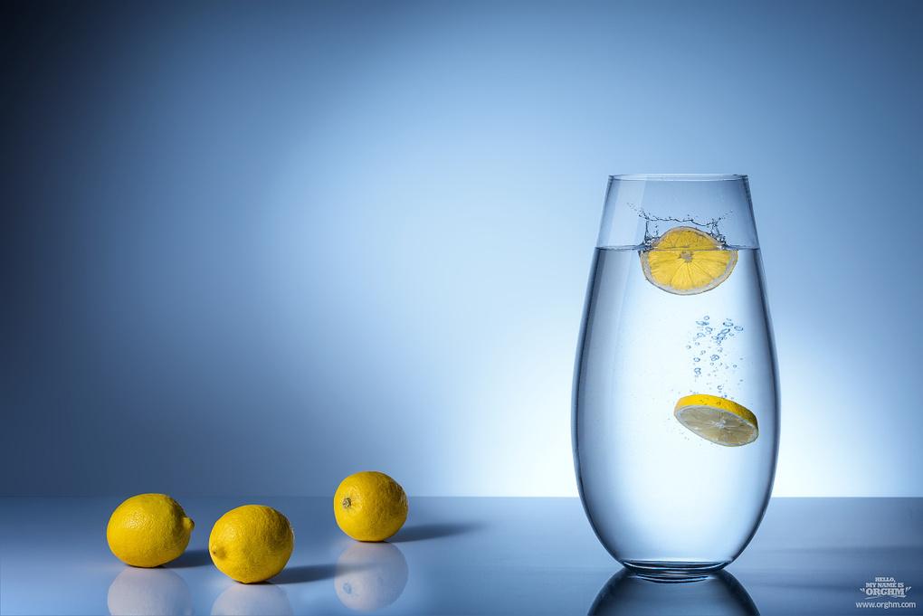 Lemons by Dusan Holovej