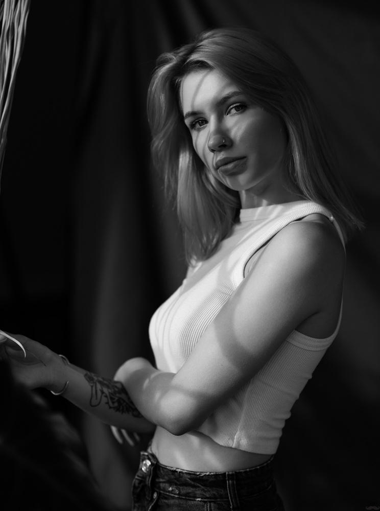 Portrait by Tomash Masojc