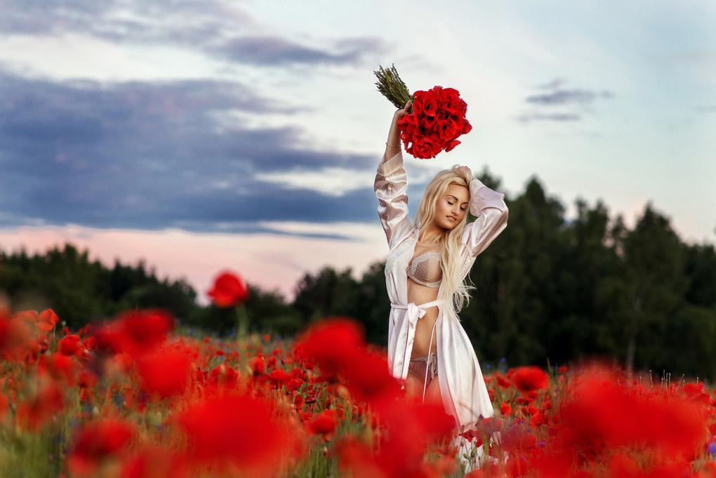 Flowers by Tomash Masojc