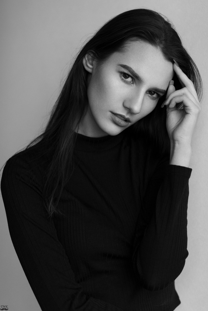 Paulina by Tomash Masojc