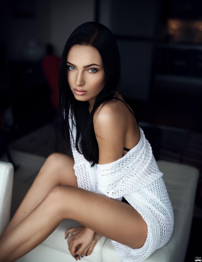Karolina by Tomash Masojc
