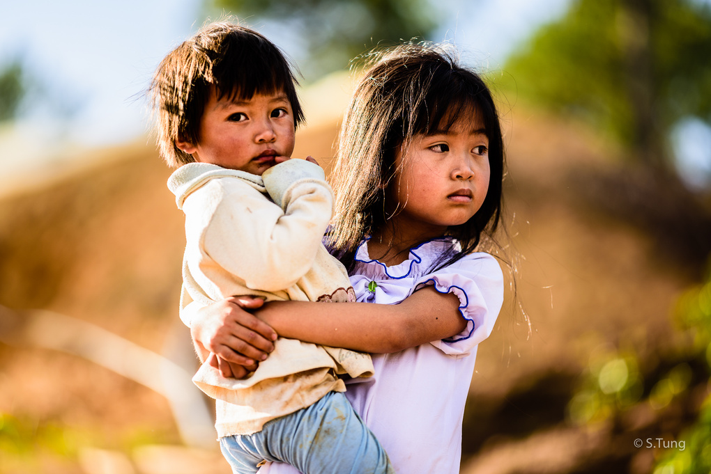 Sisters by Michel Nguyen