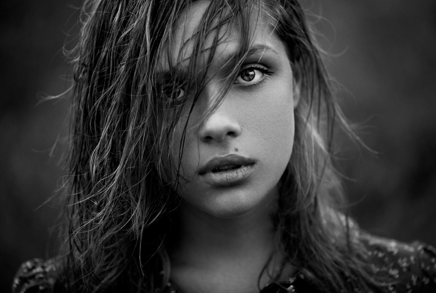 Elena by Ann Nevreva