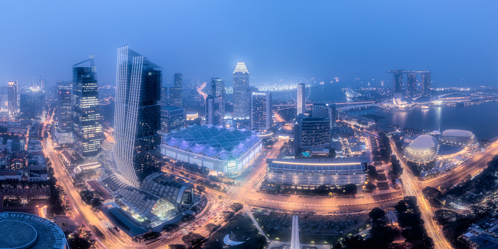 Twilight over Hazy Singapore by Vincent Chiang