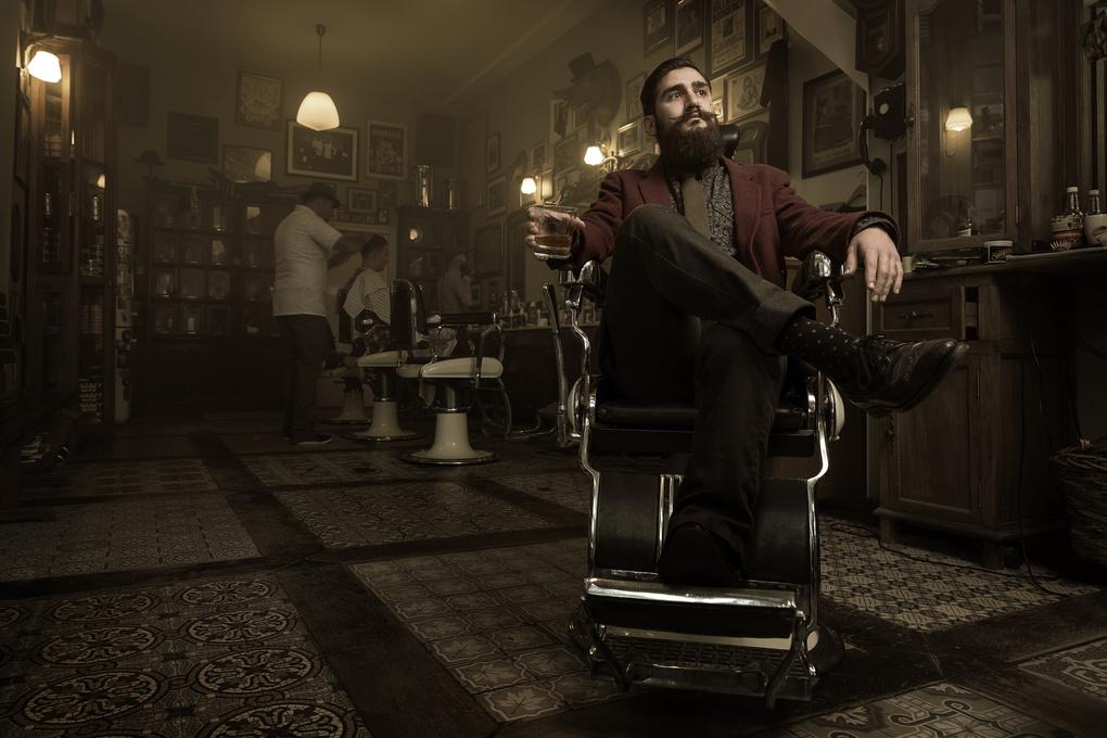 Barber Fabian from 'Schorem, haarsnijder & barbier' by Jeroen Nieuwhuis