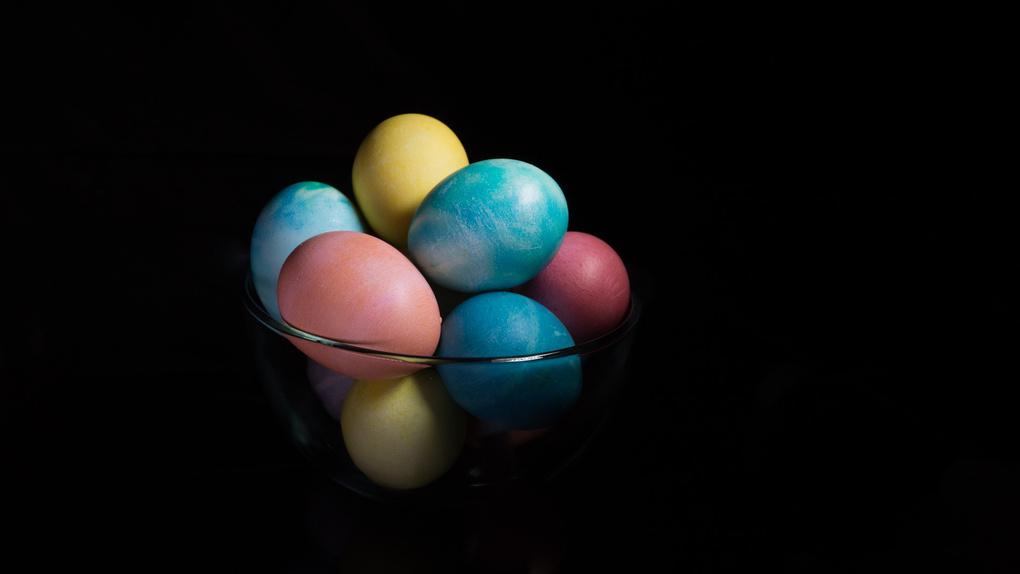 Hand-dyed Easter Eggs by Glenn McManus