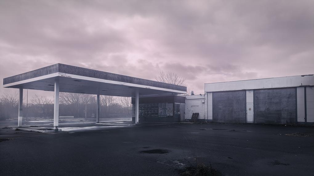 Fuel station by Kasper Christiansen