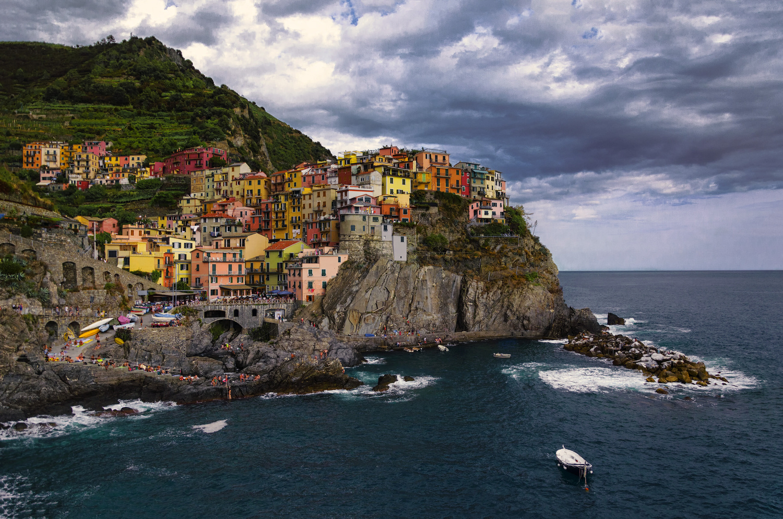Manarola, Cinque Terre - Italia by Edoardo Dusina