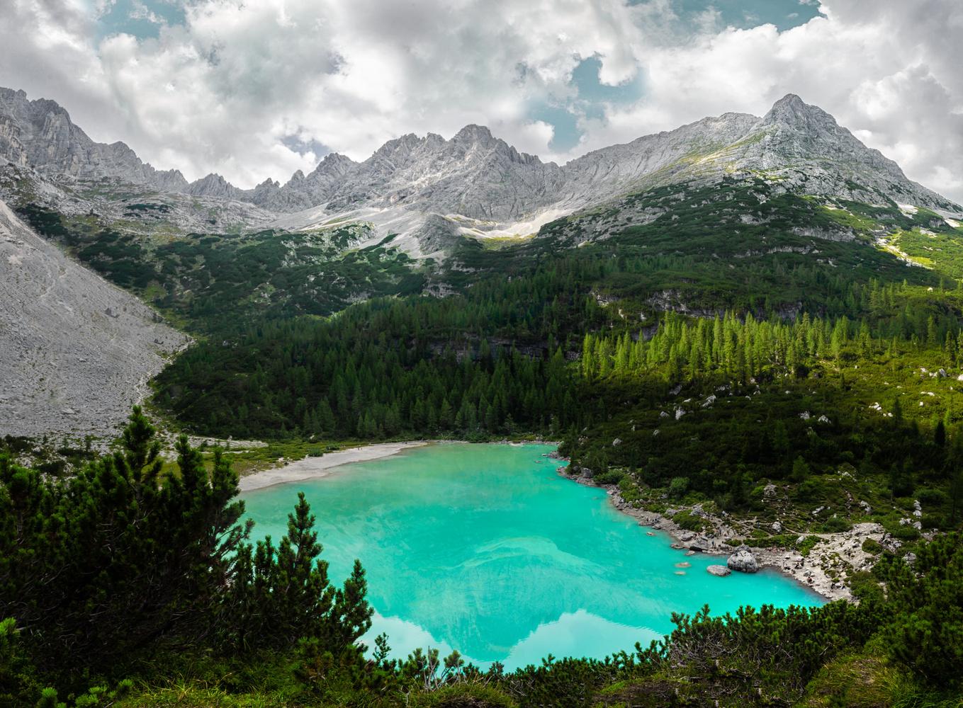 Sorapis Lake - Italy by Edoardo Dusina