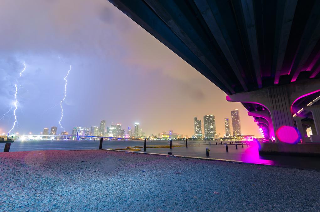 Hurricane weather   by Roberto Hernandez
