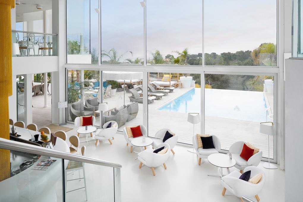 La Cabana Pool Bar and Lounge by Horia Mainescu