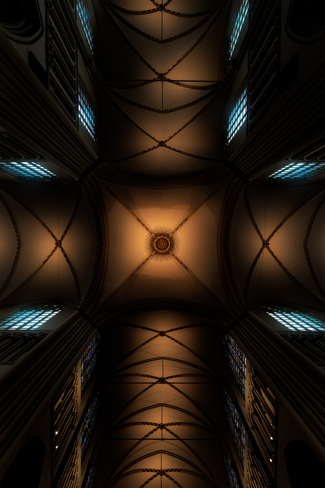 Divine symmetry by Igal Pronin