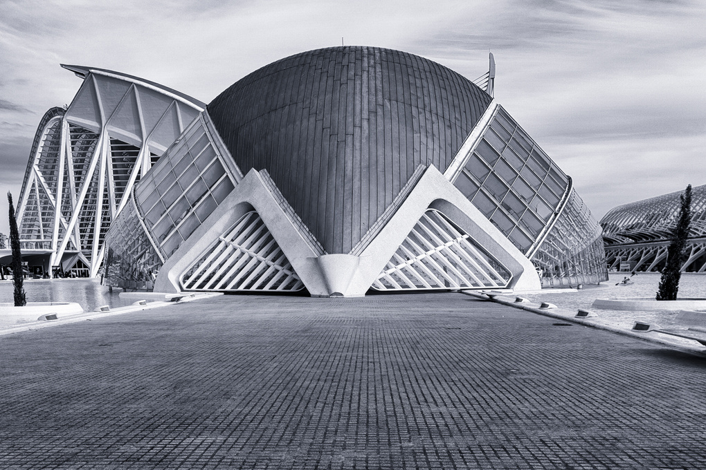 L'Hemisfèric by Andreas Mariotti