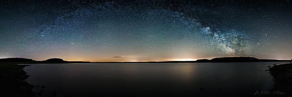 Crowdy Reservoir Milky Way by Mike Wilson