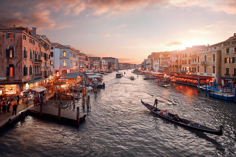 Tramonti Di Venezia by Jan Gonzales