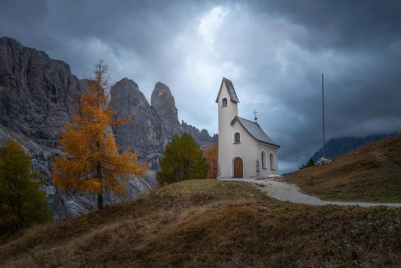 Passo Gardena by Philip Slotte