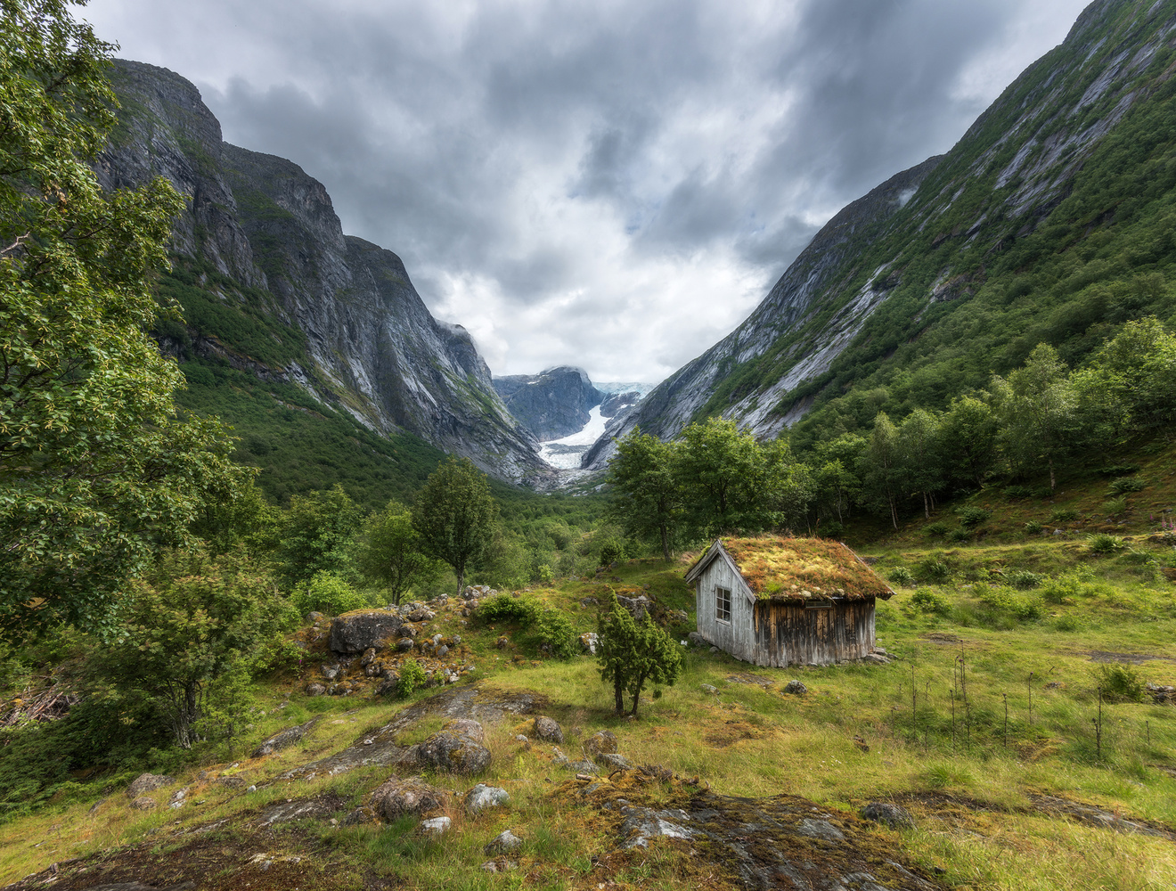 Brenndalsbreen by Philip Slotte