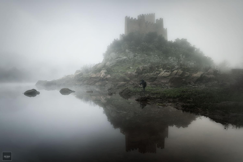 Almourol Castle by Jorge Canelas