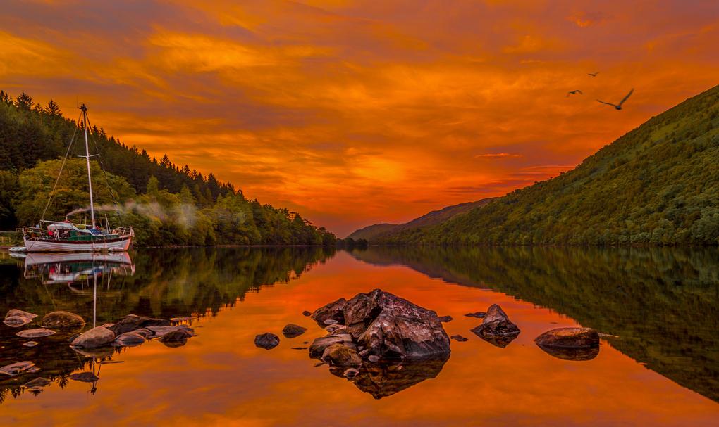 Loch Oich. by Joshua Pitt