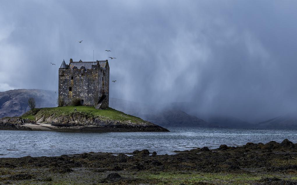 Castle Stalker. by Joshua Pitt
