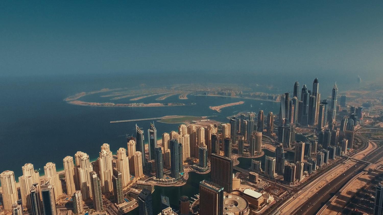 Dubai Marina by Oliver Kmia